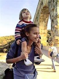 Французский суд разрешил Беленькой видеться с дочерью три раза в