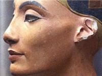 Настоящее лицо Нефертити скрывалось под слоем штукатурки