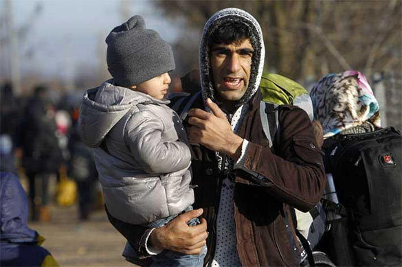 В ночь на воскресенье 1000 мигрантов чуть не погибли у побережья
