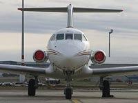 Самолет с неисправным шасси аварийно сел в Казахстане