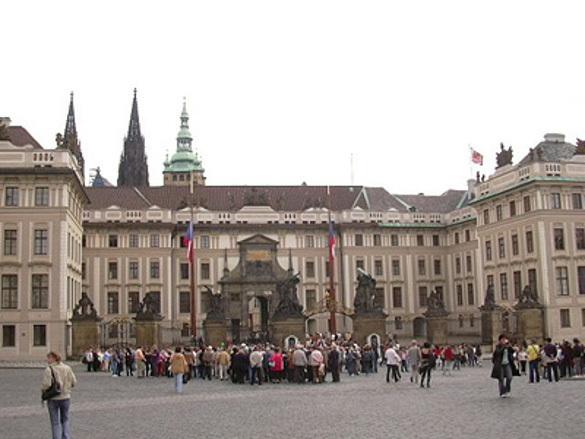 Министр внутренних дел Чехии получил отравленную посылку. 304141.jpeg