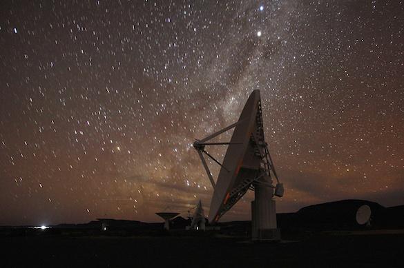 Пятнадцать таинственных радиосигналов из карликовой галактики перехватили ученые. 375141.jpeg