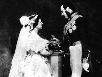 Историилюбви:королеваспринцемибез