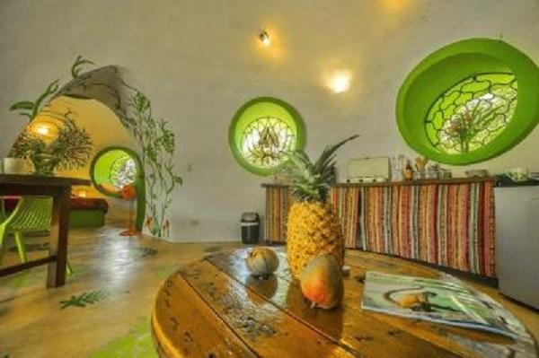 Необычный дом, или как парень построил экологичное жилье. 404143.jpeg