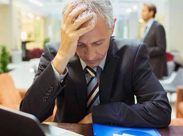 Ученые: Долги по кредиткам ведут к сильнейшей депрессии. бизнесмен, долги, кредиты, депрессия