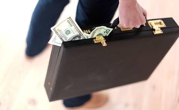 Уход с госслужбы не спасет чиновников от обязанности декларировать доходы. Чиновники будут отчитываться о доходах и после увольнения