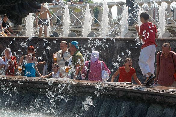 В плавящейся от жары Москве начали охлаждать воздух. В плавящейся от жары Москве начали охлаждать воздух