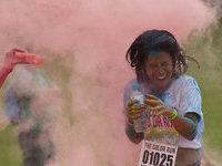 В Бразилии бегунов забрызгали красками. 277154.jpeg