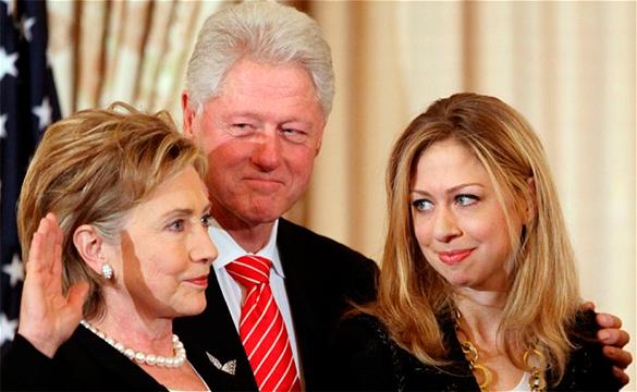 Эксперт: Заявления о спонсировании семьи Клинтон - слив компромата перед выборами. Билл Клинтон, Хиллари Клинтон, Челси Клинтон