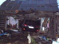ДТП недели: джип разнес жилой дом и ранил двоих детей. 270155.jpeg