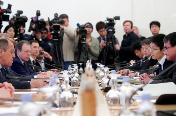 """Японские СМИ сообщили о """"пропасти разногласий"""" между Токио и Москвой. 397164.jpeg"""