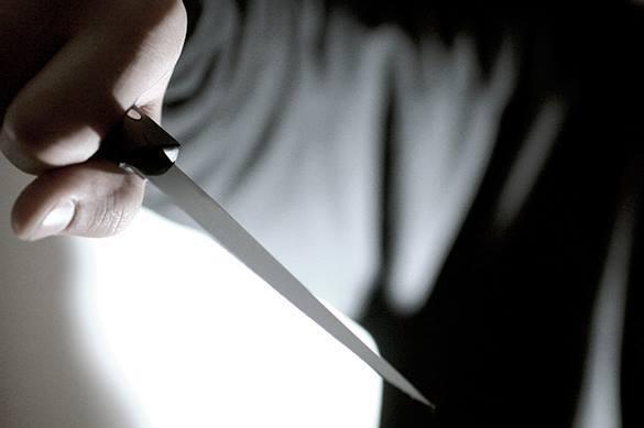 В Волгограде мужчина на глазах у матери отрезал себе голову
