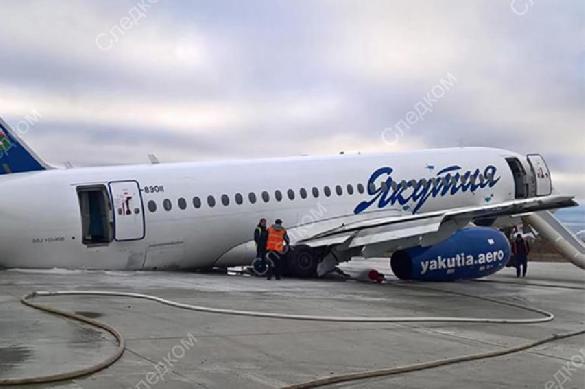 У еще одного Sukhoi Superjet отвалились шасси на посадке. 393165.jpeg
