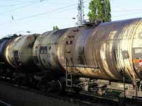 На железной дороге вспыхнули три цистерны с бензином