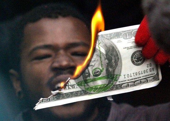 Александр Ишханов: Доллар растет на фоне других валют, но снижается на фоне товаров. 307169.jpeg