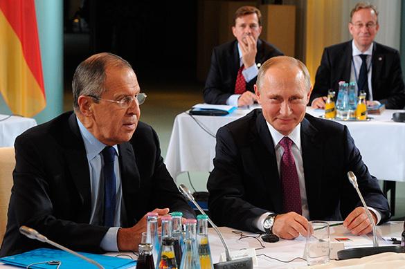 Зачем Путин поехал в Берлин спасать Минские соглашения?