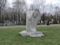 В Киеве вандалы разрушили около 100 надгробий на двух городских