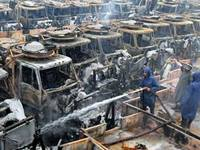 Пакистанские боевики сожгли натовские машины