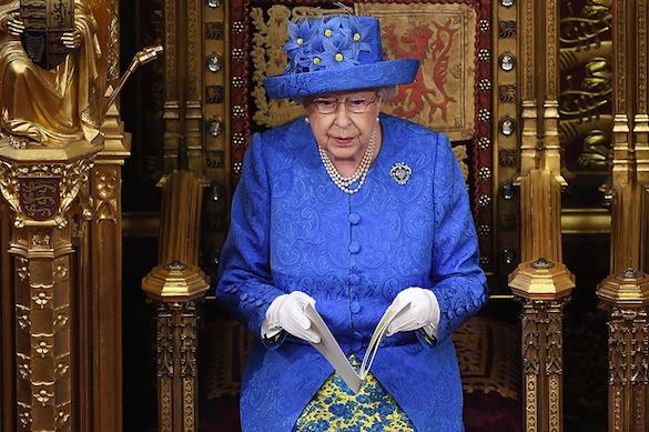 Елизавета II пока не собирается уступать престол принцу Чарльзу. 374182.jpeg