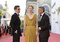 Кинофестиваль в Венеции: примерный семьянин Брэд Питт с