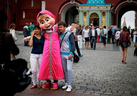 Россия взлетела в рейтинге туристической привлекательности. иностранные туристы в Москве