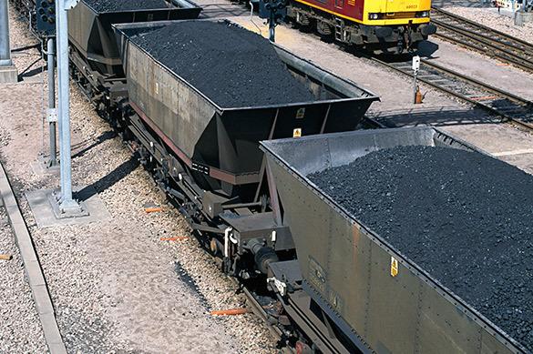 Украина расследует дело о вывозе угля из Донбасса в Россию