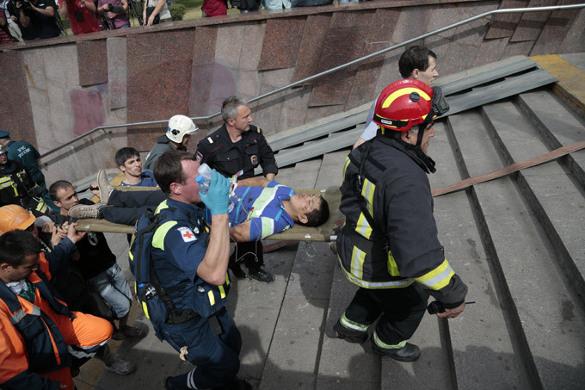 Трагедия в метро: авария или теракт?. Авария в московском метрополитене
