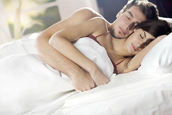 Постельные тайны. Что есть норма?. мужчина и женщина в кровати