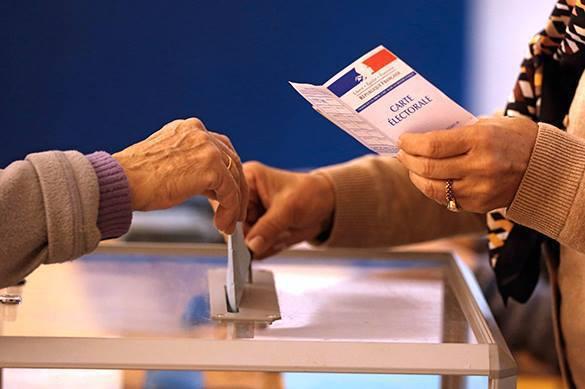 Второй тур голосования в парламент проходит во Франции