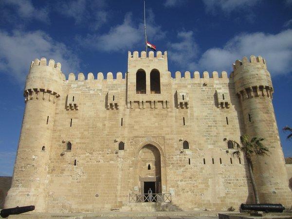 Древней Александрии пытаются вернуть былую славу. Древней Александрии пытаются вернуть былую славу.