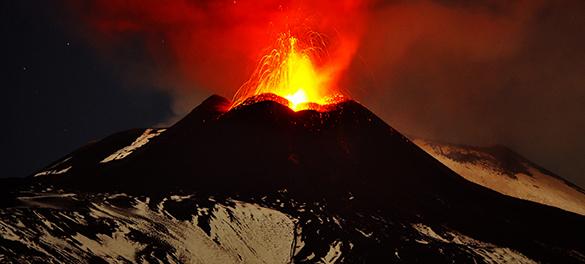 На Гавайях началось извержение вулкана. Жители Гавайев готовятся к эвакуации