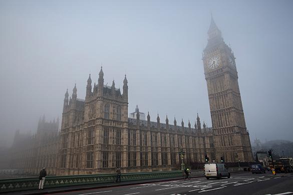 Соратник Навального Владимир Ашурков получил политическое убежище в Великобритании. лондон, туман
