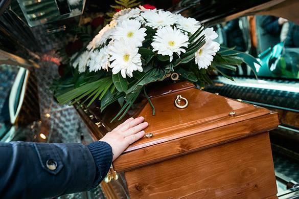 Гробовщиков хотят отучить обогащаться на похоронах. Гробовщиков хотят отучить обогащаться на похоронах