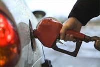 Цены на бензин в РФ остаются неизменными третью неделю подряд