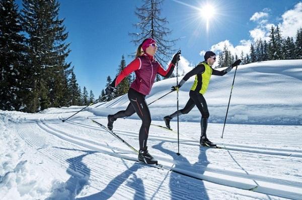 Физическое закаливание водой: правила, народные традиции и рекомендации врачей. Прогулка на лыжах