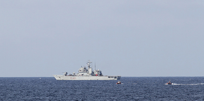 У побережья Мариуполя прямо на глазах отдыхающих взорвался пограничный катер. 321209.jpeg