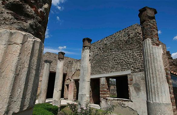 В Помпеях найдена гробница. В Помпеях найдена гробница