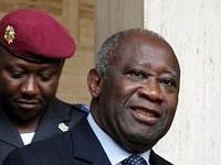 Бывшего президента Кот-д'Ивуара везут на суд в Гаагу. 250213.jpeg