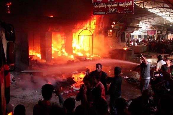 В Мосуле из-за минометного обстрела горит рынок. ВИДЕО