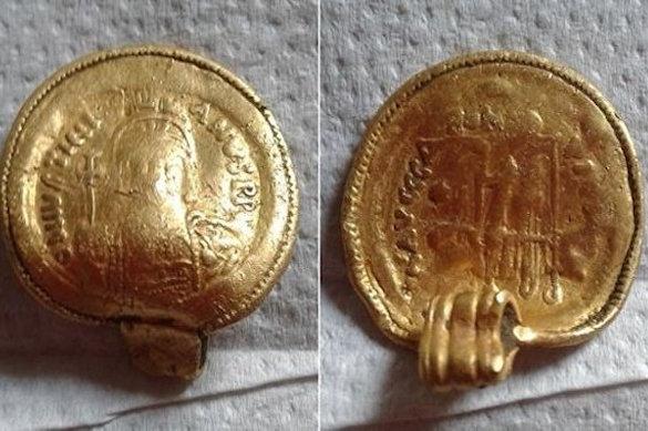 Золотой кулон 6 века обнаружили в Британии. 374214.jpeg
