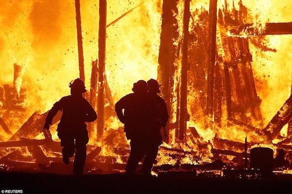 В США участник фестиваля Burning Man сгорел в костре. 375214.jpeg