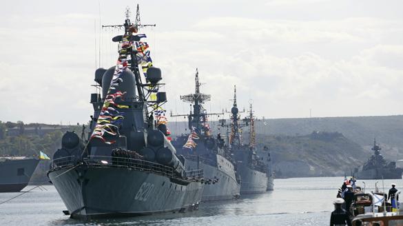Для демонстрации военной мощи в море вышли береговые и корабельн