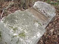 Над могилами жертв сталинских репрессий надругались вандалы