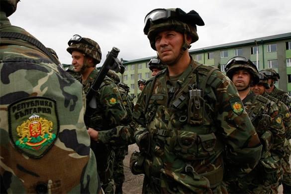 Армия Болгарии ждет повышения зарплат с 2009 года