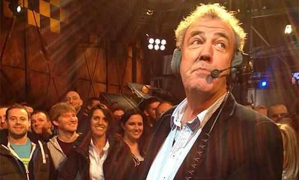 Увольнение ведущего Top Gear обойдется BBC в 100 миллионов долларов ежегодно. Топ Гир