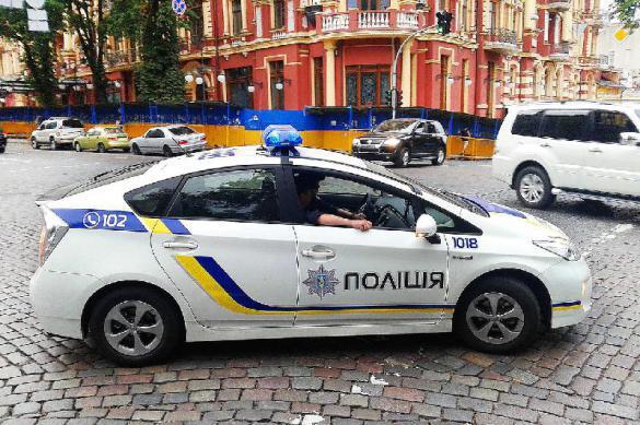 В Харькове машину российского генконсула облили ядом. В Харькове машину российского генконсула облили ядом