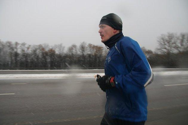 Погода проверяет на прочность Ерохина, бегущего из Москвы в Сочи. 288219.jpeg