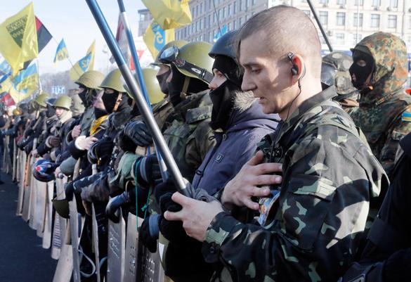 В Киеве радикалы устроили марш против минских договоренностей. украинские радикалы