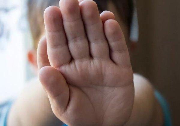 Определи характер своего ребенка по пальцам. детская ладонь