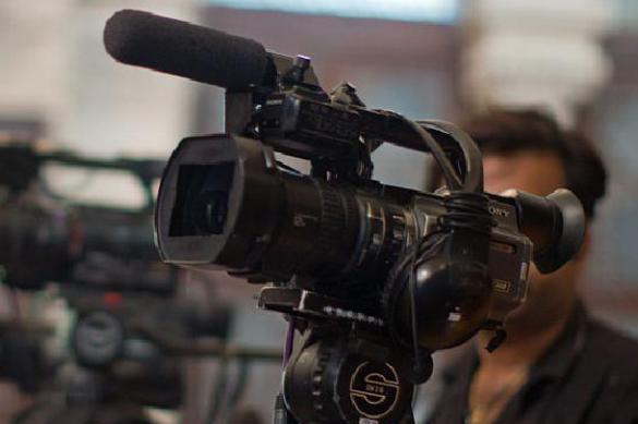Ведущий телепередачи в прямом эфире выгнал из студии украинского политолога. 401223.jpeg